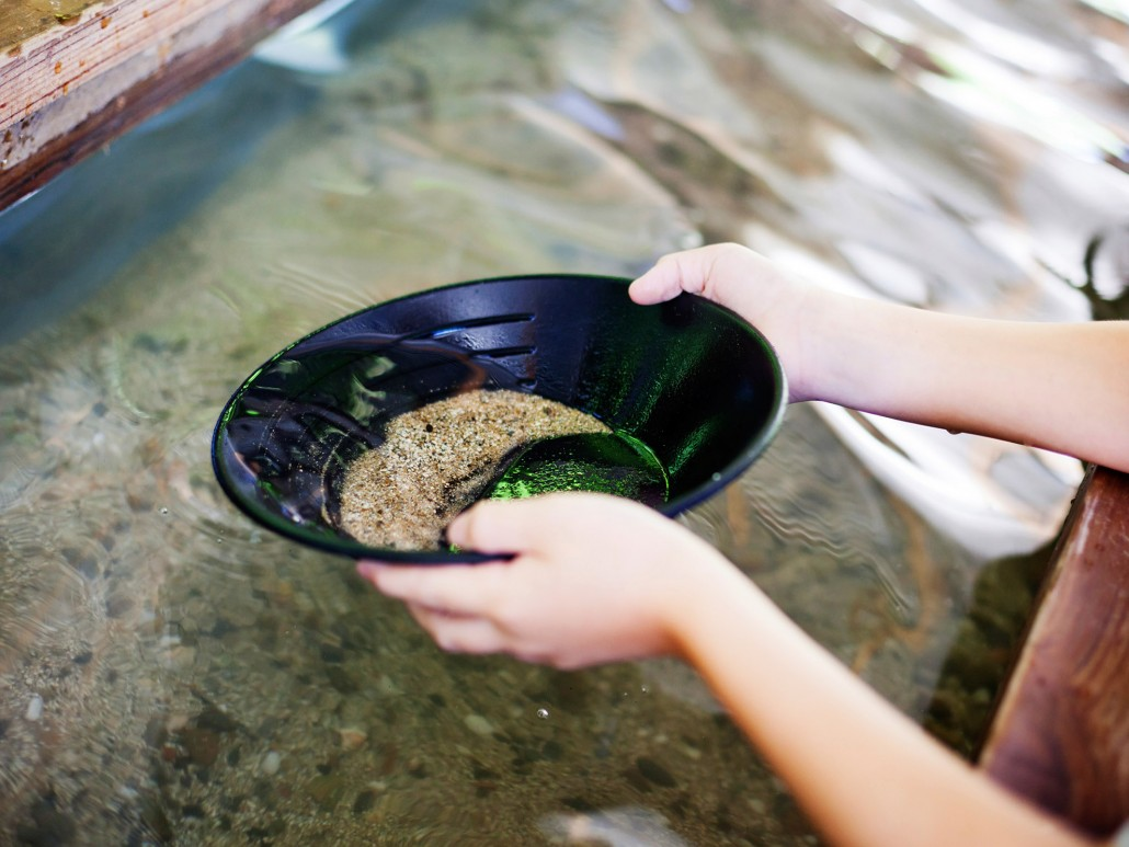 California Gold Country Sacramento Panning For Gold