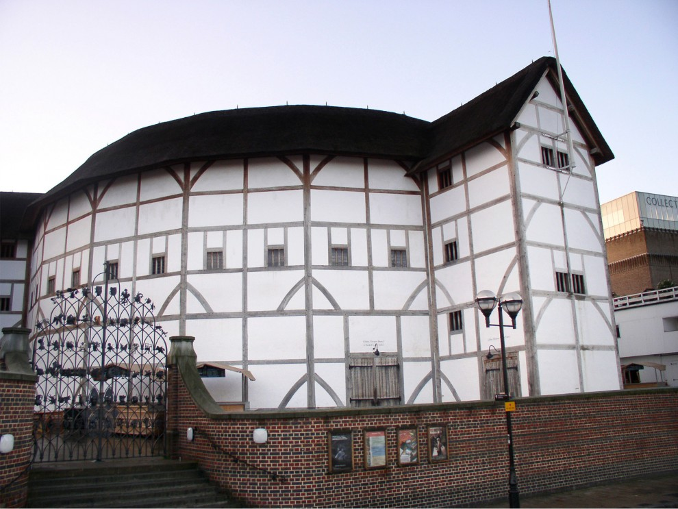 the three globe theatres shakespeares theatre essay The new globe theatre i had the opportunity to attend a performance of romeo and juliet at the famous shakespeare's globe theater with a group essay.