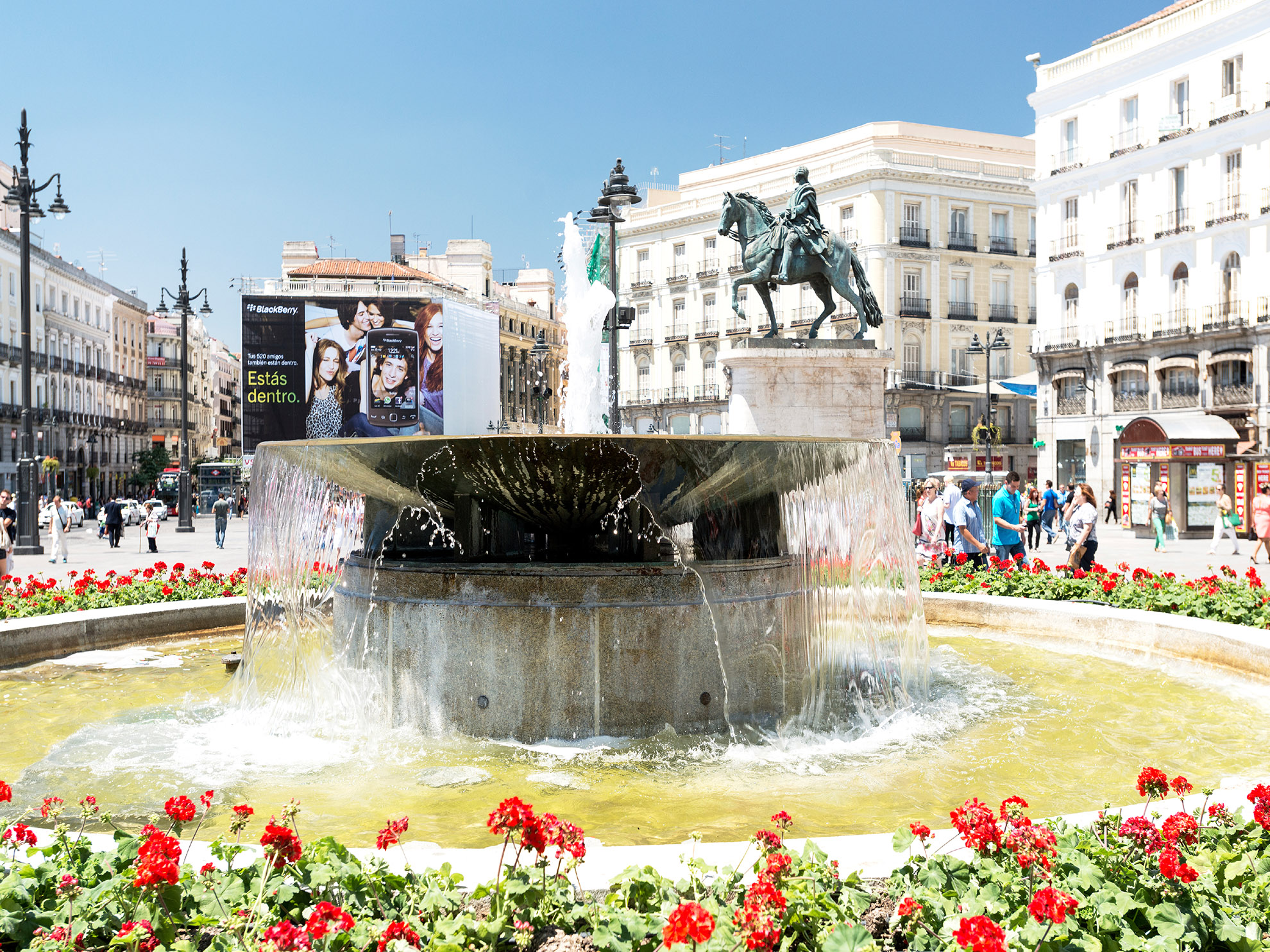Madrid to the sea worldstrides educational travel for Puerta del sol 9 madrid