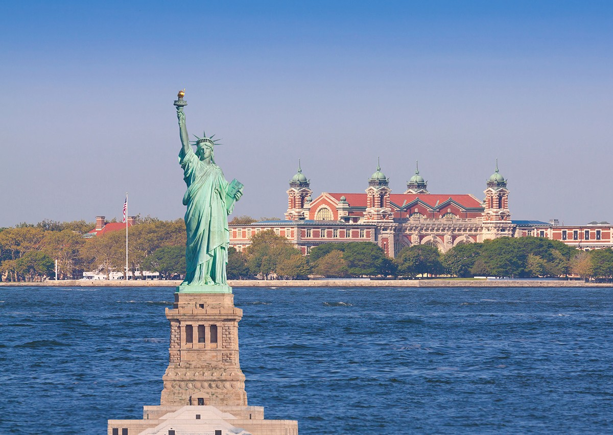 a visit to the statue of liberty worldstrides