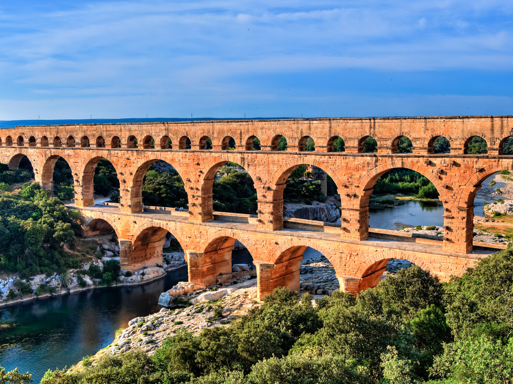 gard du pont france bridges nimes roman worldstrides aqueduct bridge quiz iconic architecture these bce near around history midterm population