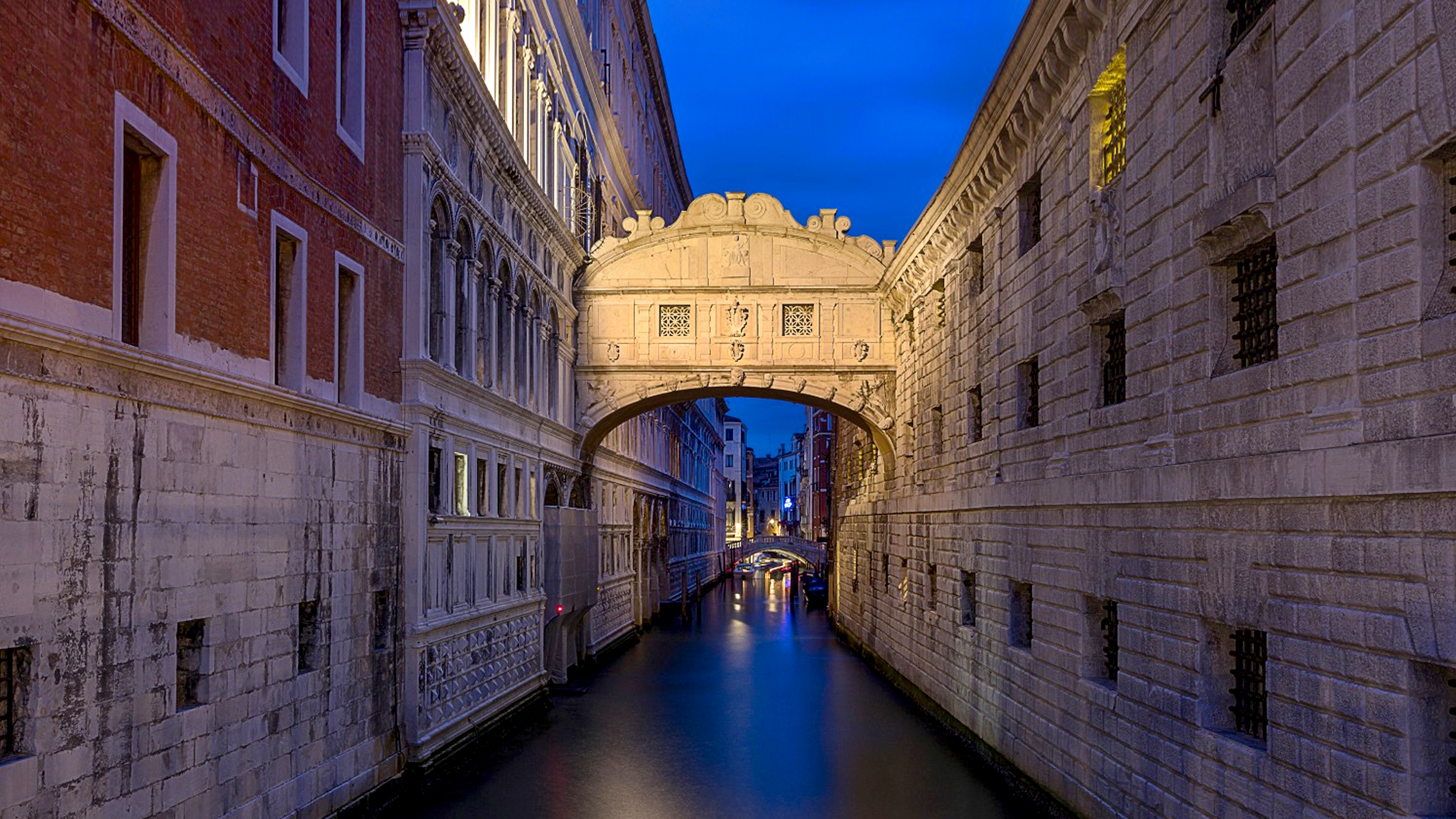 Travel with students to Venice, Florence, Capri and Sorrento, Italy