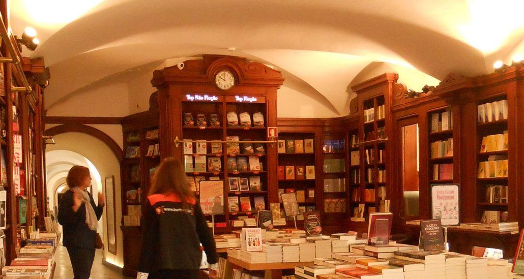 Livraria Bertrand, oldest bookstore in the world