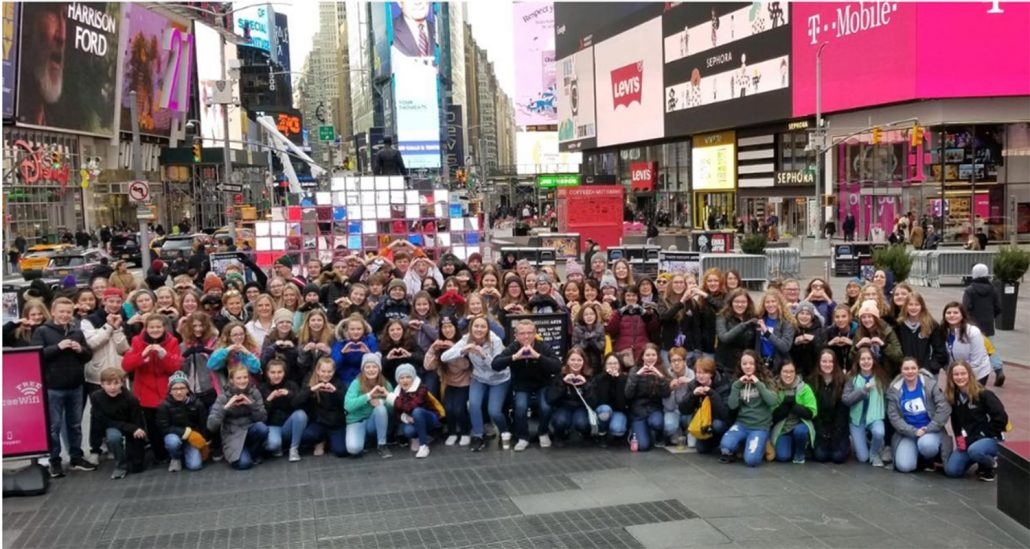Grand Cities Children Choir in Times Square